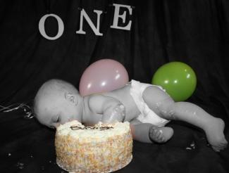 cake and ballons